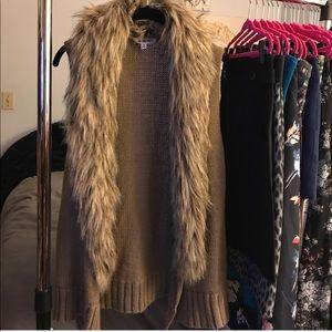 B.B. Dakota brown fur collar vest size small